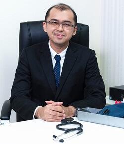 Dr. Christopher Lee T